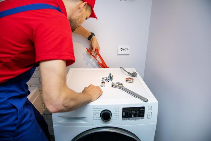 Bild 2: WIR KOMMEN SOFORT ZU IHNEN ☎ Lampen ☎ Waschmaschine ☎ Herd anschließen ☎ Elektriker & Klempner ☎