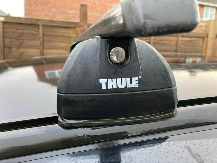 VW Tiguan zu vermieten Thule Grundträger Dachträger