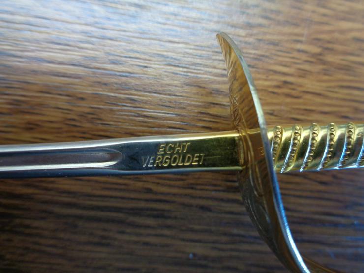 Bild 6: alter Brieföffner in Degenform bzw. Schwertform, z. T. vergoldet, von »WILKINSON SWORD«