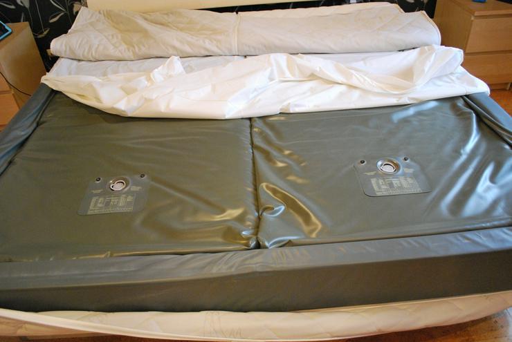 Bild 2: Softside-Wasserbett, 200x200 cm