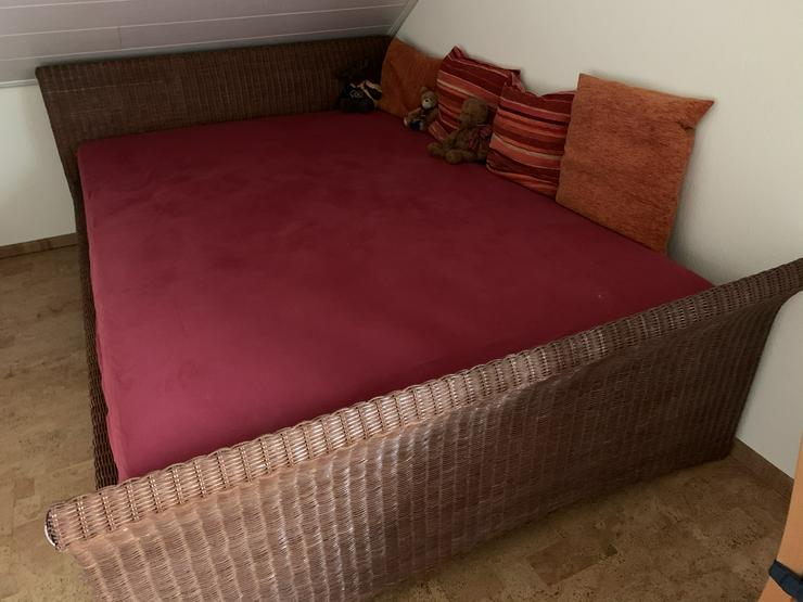 Rattan-Bett 140 x 200. ACHTUNG SONDERPREIS