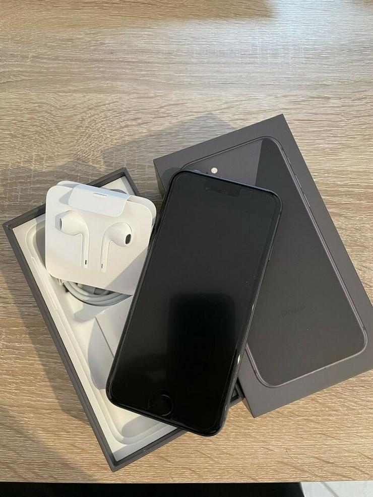 iPhone 8 64GB Schwarz Top Zustand OVP mit Zubehör