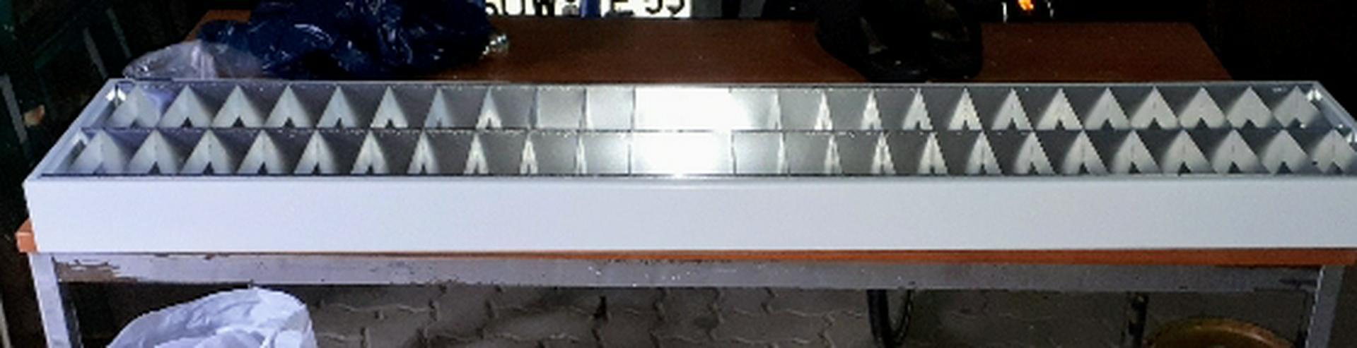 Rasteraufbauleuchte 1550 x 310 x 90 für 2 x 58 W Leuchten stabile Ausführung zu verkaufen.