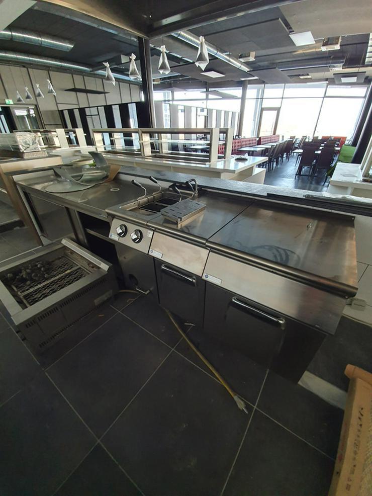 Bild 17: Gastronmieeinrichtung neuwertiges Einrichtung eines Asia Restaurants
