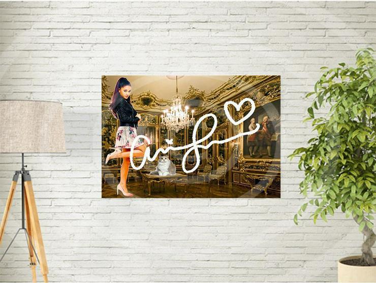 Einmaliges Ariana Grande Kunstposter in 1A-qualität im Format 40x30 cm.
