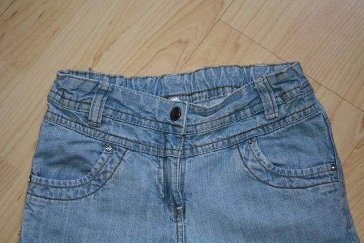 Bild 2: Mädchen Capri Jeans 3/4 Hose Bermuda Shorts Kinder Jeanshose kurz kurze Caprihose C&A blau 122 NEU