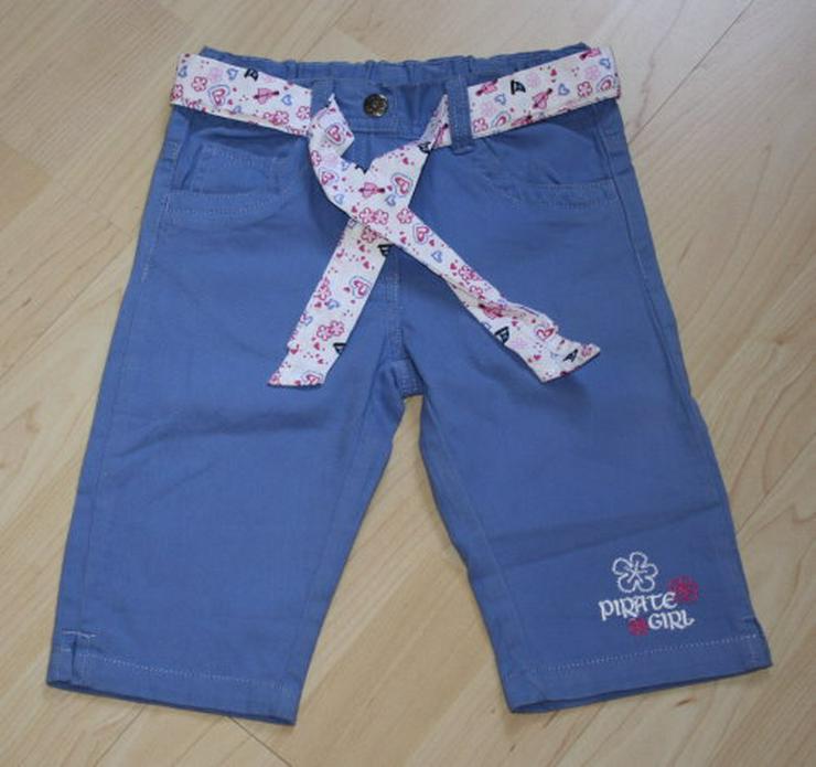 Mädchen Capri Hose Kinder Bermuda Shorts kurz kurze Chino Sommerhose blau mit Gürtel Gr. 104 NEU