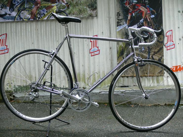 Straßenrennrad von RAZESA mit 16 Gang von SHIMANO - 600