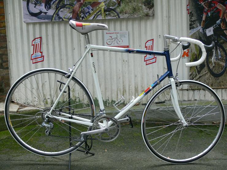 Straßenrennrad von EVERTON ,mit 12 Gang von SHIMANO - EXAGE SPORT
