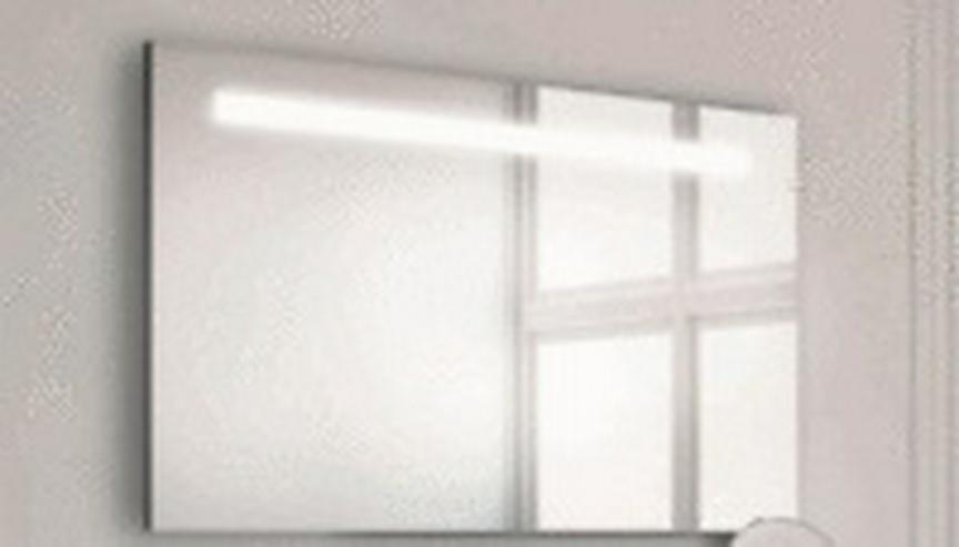 Wandspiegel mit Beleuchtung