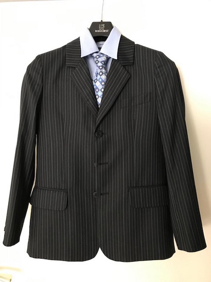 Kommunionanzug Gr. 152 / Dunkelblauer Anzug mit Nadelstreifen