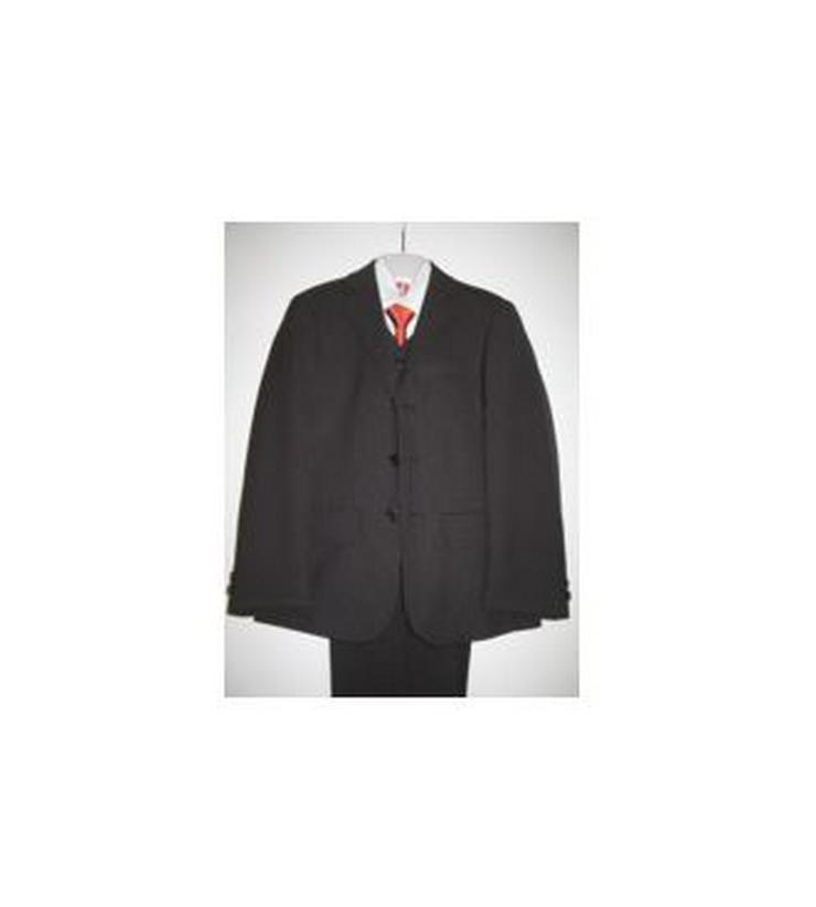 Kommunionanzug Gr. 128 / Schwarzer Anzug mit Nadelstreifen