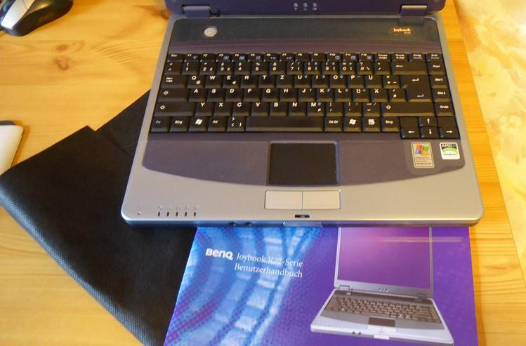 Laptop BenQ Joybook R22E mit WIN 7 Home Premium mit Tasche