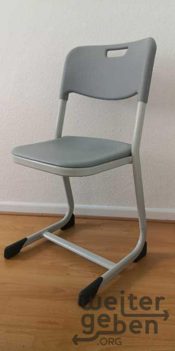 Köln: 9x stapelbare Stühle  - Bürostühle - Bild 1