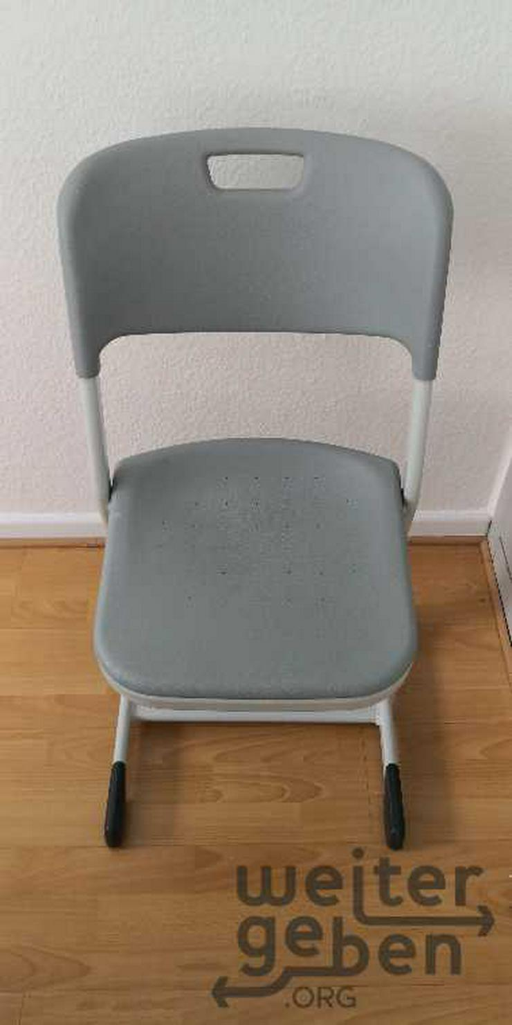 Bild 2: Köln: 9x stapelbare Stühle