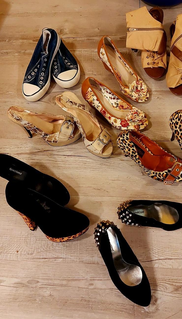 Karton voll Schuhe 17Paar