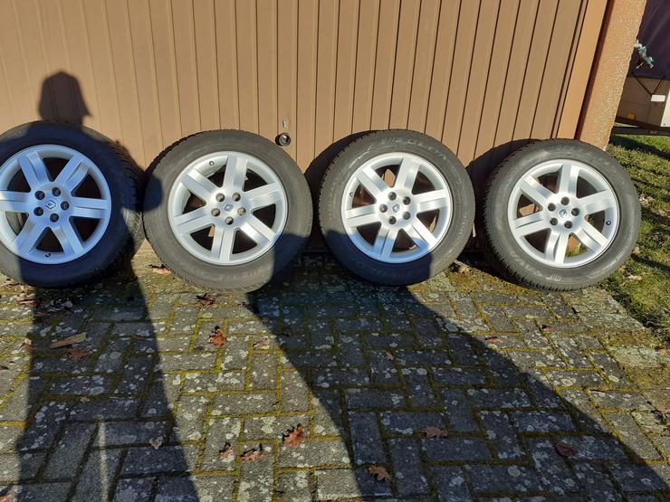 4 Reifen mit Alufelgen für Renault
