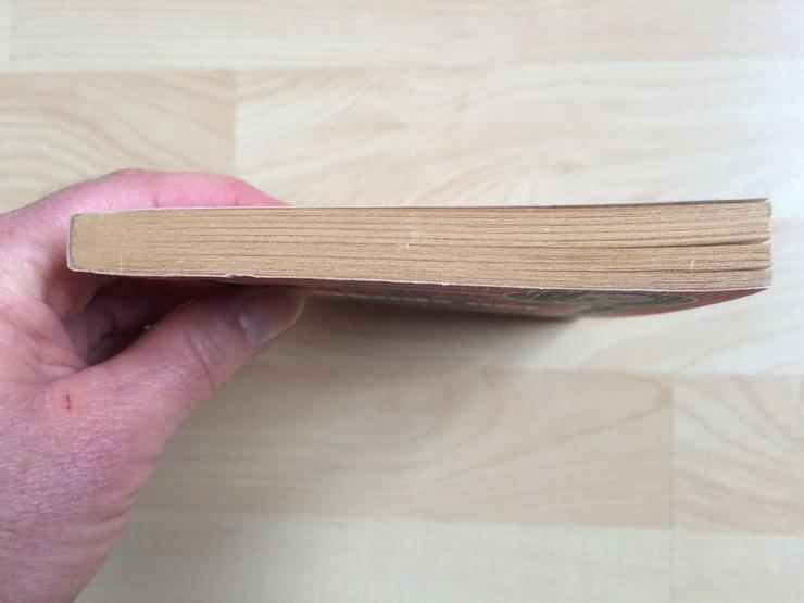 """Bild 5: Taschenbuch """"Hands up!"""" v. Edgar Wallace"""