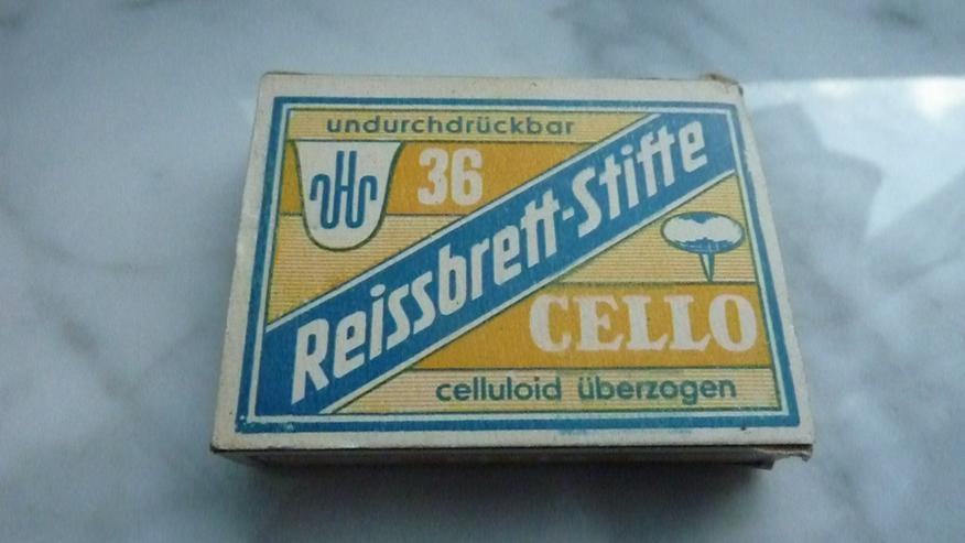 Pappschachtel mit Cello-Reissbrett-Stiften - Weitere - Bild 1