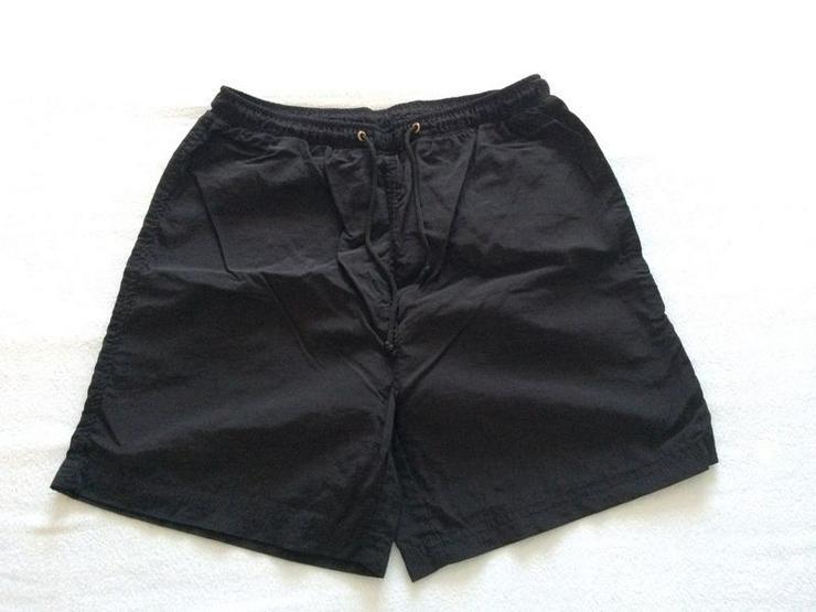 NEU Shorts schwarz, Gr. 170/176