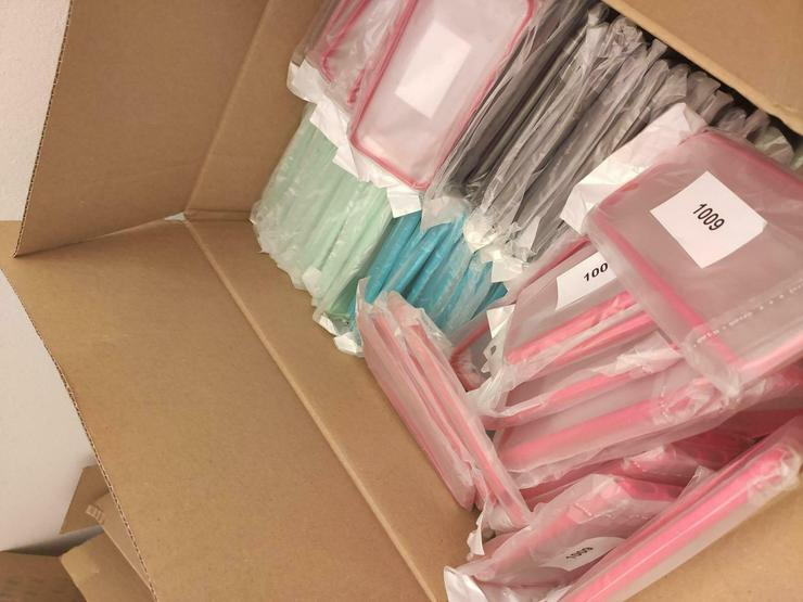 Tausche Posten von Ca. 2500 Stück Handyhüllen Handyschalen NEU