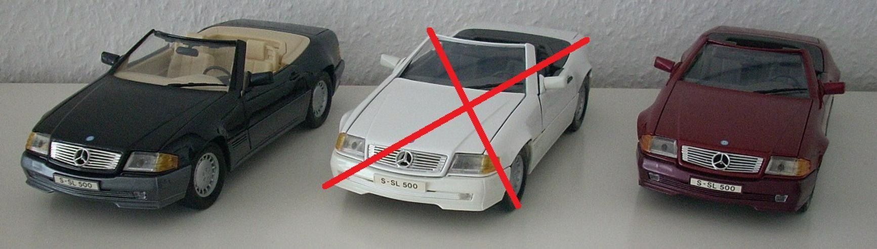 Mercedes 500 SL (1989) - schwarz / bordeauxrot - Modellauto 1:18 - MAISTO - Modellautos & Nutzfahrzeuge - Bild 1
