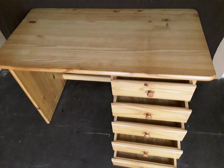 Bild 2: Schreibtisch aus Massivholz Kiefer wegen Umzug abzugeben
