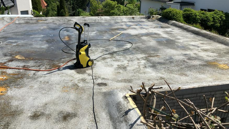 Bild 2: Flachdachsanierung - Flachdachreparatur mit Flüssigkunststoff ohne Abriss