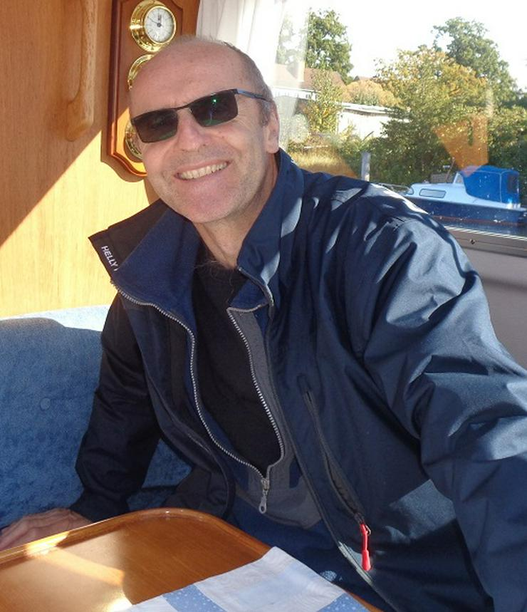 Süßwasser Kapitän sucht feminine Hilfe zum Navigieren auf Berliner Wasserwegen