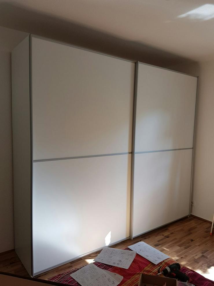 Bild 3: Möbelmontage Möbelaufbau IKEA Pax Kleiderschrank Schrankmontage Task Rabbit Essen
