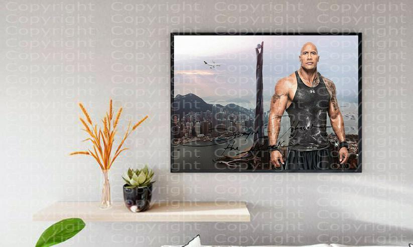 Bild 4: DWAYNE JOHNSON in Hongkong. Kunstdruck 45x30 cm. Souvenir.Raritär. MUSS MAN HABEN!