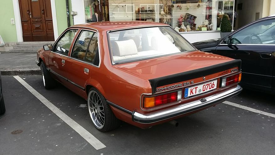 Bild 2: Oldtimer Opel Commodore C 2,5s Berlina mit Oldtimergutachten