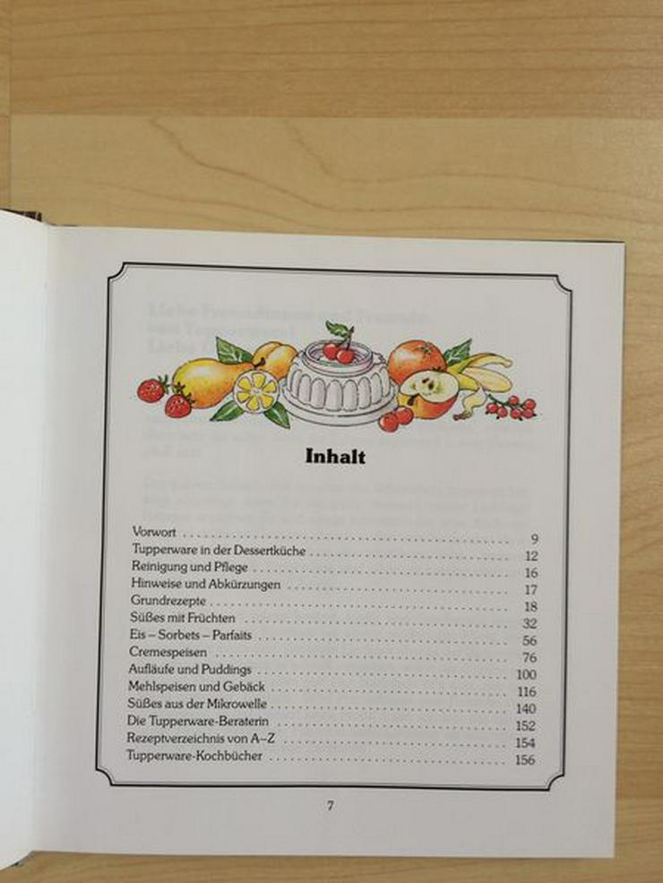 """Bild 2: Tupperware-Kochbuch """"Feine Desserts"""""""