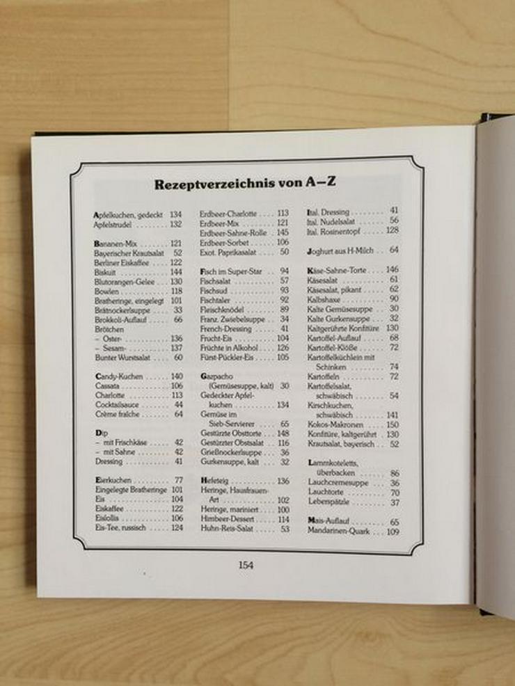 """Bild 3: Tupperware-Kochbuch """"Praktische Rezepte"""""""