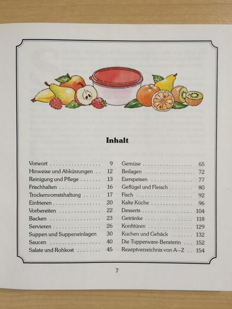 """Bild 2: Tupperware-Kochbuch """"Praktische Rezepte"""""""