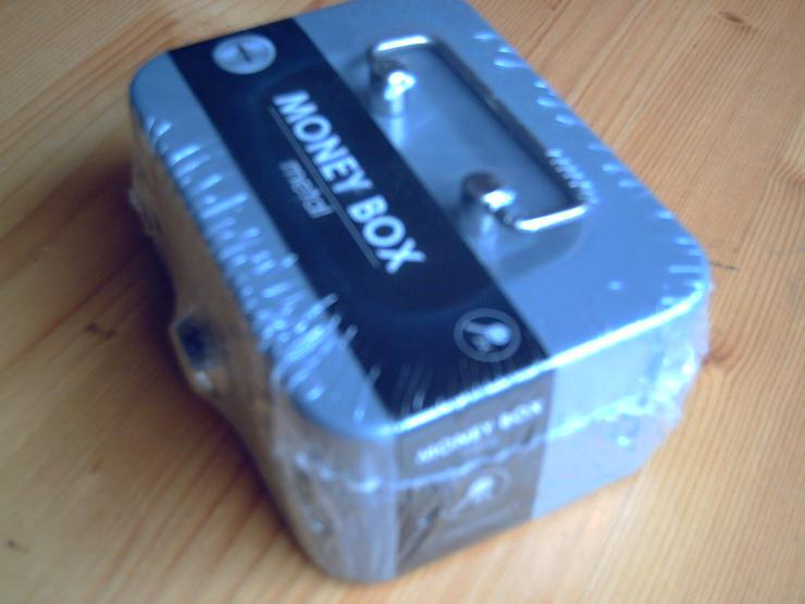 Bild 2: Geldkassette, Geldbox (11,5 x 8,5 x 5 cm) aus Metall, grau, mit 2 Schlüssel, NEU