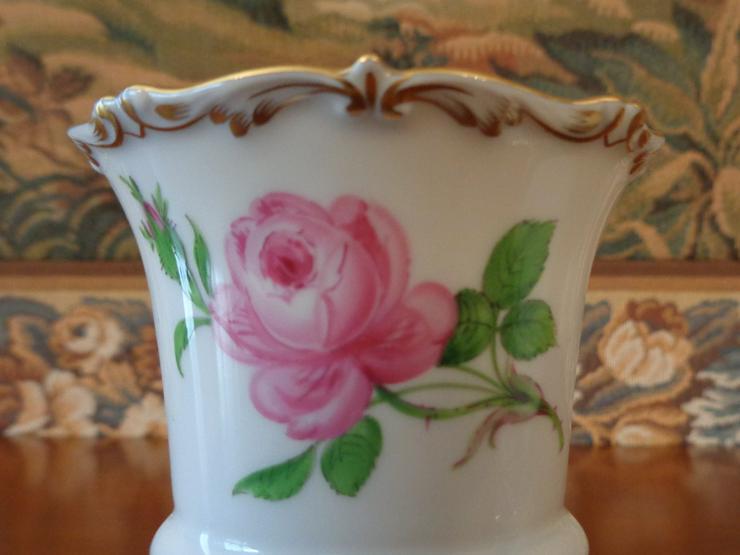 Bild 4: Porzellanmanufaktur Meissen: Füßchen-Vase / Tatzen-Vase, Dekor: »Rote Rose«, 1. Wahl !!!