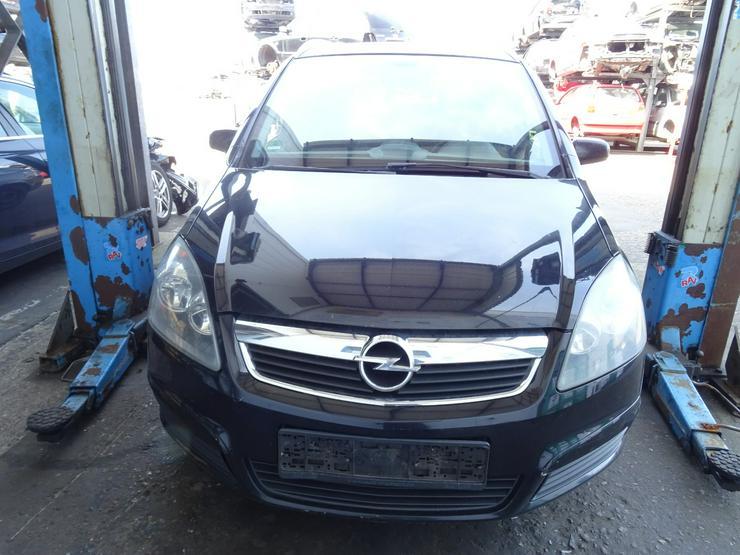 Schlachtfest Opel Zafira 210051