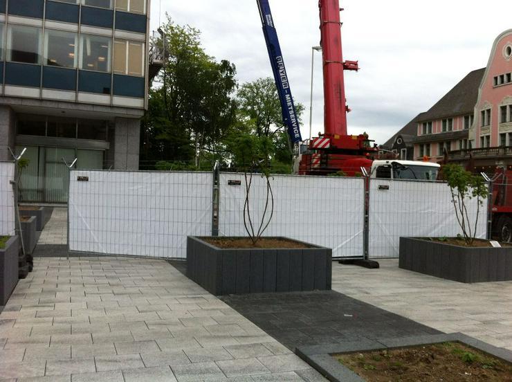 Mobilzaun Bauzaun mit Sichtschutz für Baustelle und Bauvorhaben günstig Mieten - Baumaschinen & Baustelle - Bild 2