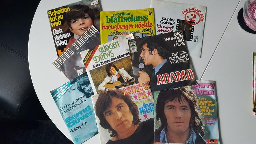 42 SINGLES z.B. Adamo,Heintje,J.Hendrix,Temptations,J.Drews,Moody Blues u.a.