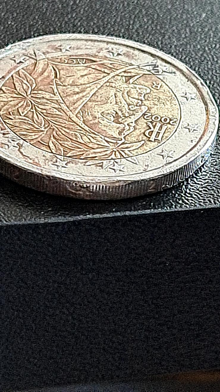Bild 5: 2 Euro Münze 2002 Italien FEHLPRÄGUNG
