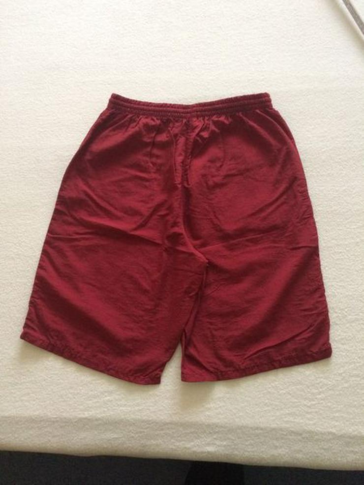 Bild 4: (Sport-)Bermuda Shorts Gr. 140 dunkelrot