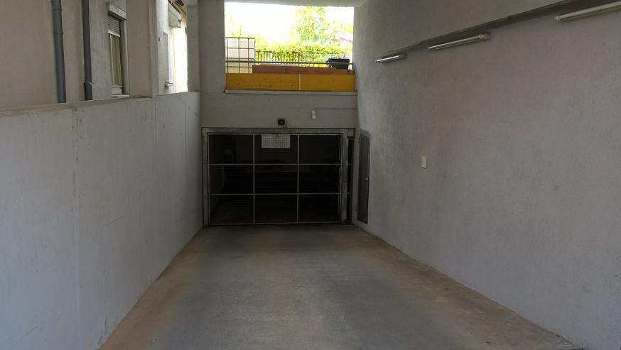 Bild 2: PKW Stellplatz, Parkplatz, Garage