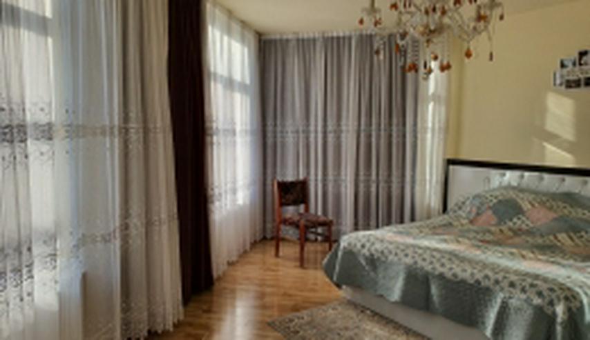 Neuwertige Villa mit zehn Zimmern in Rumänien