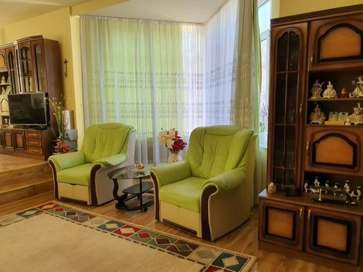 Neuwertige Villa mit zehn Zimmern in Rumänien - Haus kaufen - Bild 1