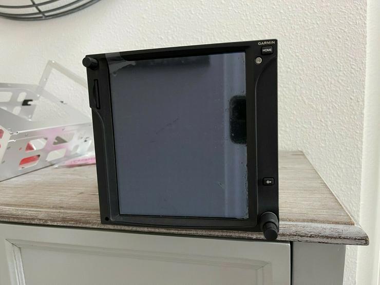 Garmin GTN 750 touchscreen