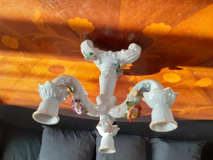 alter Porzellanleuchter