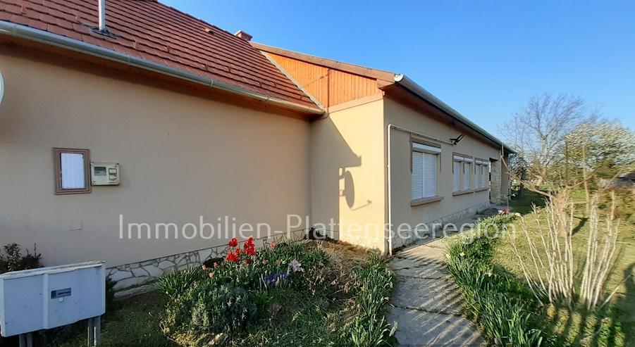 Renov. Haus Ungarn Balatonr .Nr. 40/68, mit breitem Grundst. 1.469m²