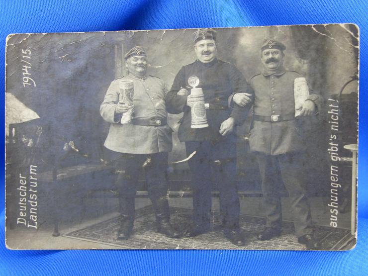 Vintage Postkarte-Foto / Soldaten / 1 WK / Uniform / Bierkrüge