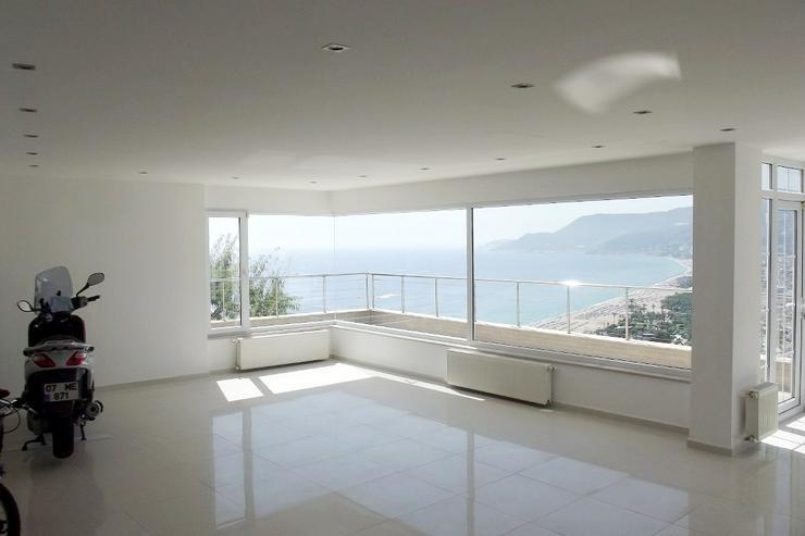 Ein Traum in Weiß mit atemberaubendem Meerblick. 136